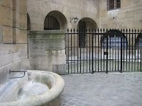 The prisoner's exercise yard/courtyard at the Conciergerie, where Marie Antoinette spent her final days.  Click on picture to be linked to detailed article about Marie Antoinette's Imprisonment.