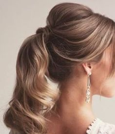 There are many choices of ponytail hairstyles that can be tried to enhance your appearance. From cute ponytails to high or low ponytail hairstyles, they can look messy, elegant and smooth. Cute Ponytail Hairstyles, Wavy Ponytail, Elegant Ponytail, Cute Ponytails, High Ponytails, Up Hairstyles, Hairstyle Photos, Bridal Hairstyles, Hairstyle Ideas