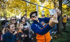 Antonio Cairoli con i fan