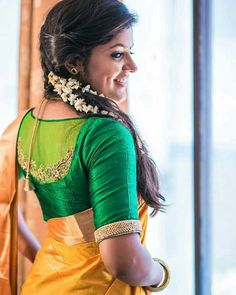 Indian beautiful cute models saari backless Desi sweet girls with her juicy armpit curvy body Show. Hot and sexy Indian actress very sensuo.Your Favorite Girls: Indian Girls In Saree Kerala Saree Blouse Designs, Saree Blouse Neck Designs, Stylish Blouse Design, Fancy Blouse Designs, Designer Blouse Patterns, Indian Girls, Sarees, Work Blouse, Blouse Desings