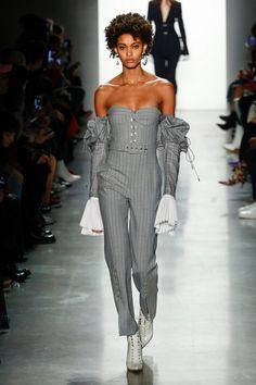 Jonathan Simkhai Fall 2018 Ready-to-Wear Fashion Show Collection: See the complete Jonathan Simkhai Fall 2018 Ready-to-Wear collection. Look 19 Fashion 2018, Fashion Week, New York Fashion, Runway Fashion, High Fashion, Fall Fashion Trends, Fashion Brands, Autumn Fashion, Trends 2018