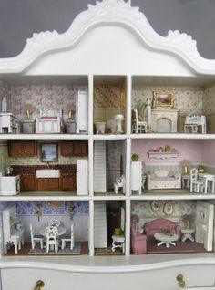 Small Scale Dollhouse
