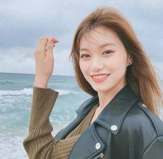 So cute doyeon 😚👑💎 Girl Day, My Girl, Cool Girl, Jooheon, South Korean Girls, Korean Girl Groups, Choi Yoojung, Kim Doyeon, Pre Debut