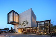 Jung Clinic / Kim Seunghoy (Seoul National University) + KYWC Architects