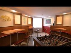 Panorama Inn Hotel - Hamburg - Visit http://germanhotelstv.com/panorama-inn-boardinghouse This 3-star hotel offers cosy rooms a parking garage and good motorway and public transport connections. It is located in the Billstedt district to the east of Hamburg city centre. -http://youtu.be/G_lZXsdFxmA