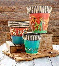 These match the peace poles more pots à fleurs découvrir Painted Clay Pots, Painted Flower Pots, Clay Pot Crafts, Diy And Crafts, Shell Crafts, Garden Crafts, Garden Projects, Peace Pole, Garden Poles