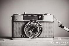KAMERA | Olympus-Pen EE-2 - Fotograf Ann Sissel Holthe | Portrett og Bryllupsfotograf |www.fatmonkey.no Retro Camera, Marshall Speaker, Cameras, Camera, Film Camera
