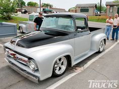 Read all about the 2009 Ford Supernationals event featuring some of the… Old Ford Pickup Truck, 1956 Ford Truck, F100 Truck, Ford Pickup Trucks, Cool Trucks, Hot Rod Trucks, Custom Trucks, Custom Cars, Pick Up Ford