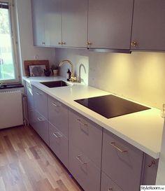 Kök - Hemma hos ViolaCarlson Kitchen Cabinets, Interior, Home Decor, Sweet Home, Decoration Home, Indoor, Room Decor, Cabinets, Interiors