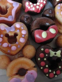 Mickie and Minnie donuts