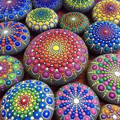 Pedra Sobre Pedra - Artesanato em Pedra Cariri: Magnífica arte de pintura em pedras - Confira: