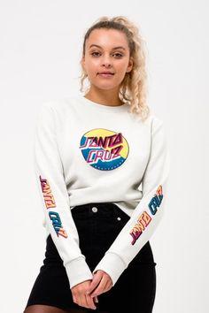 Check out the lastest fashion from Santa Cruz Skater Girl Style, Skater Girl Outfits, Skater Girls, Santa Cruz Clothing, Santa Cruz Hoodie, Nike Shirts Women, Winter Fits, Outfits With Converse, Androgynous Fashion