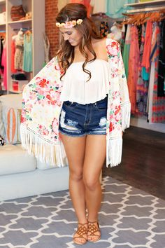 I love this outfit so much. It's so beautiful, and PERFECT for summer. It gives me a cute bohemian vibe for summer.