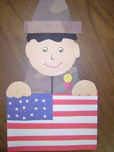 Veteran's Day craft and writing prompts.  Links in Mrs. T's First Grade Class Blog.  FREE!