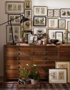 Gallery, Furniture