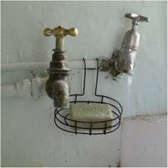 wire soap dish (want!)