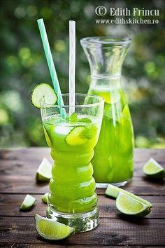 limonada-cu-castraveti Summer Detox, Good Food, Yummy Food, Romanian Food, Nutrition Program, Detox Drinks, Summer Drinks, Milkshake, Drinking Tea