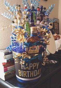 Birthday ideas for guys, guy birthday gifts, boyfriend birthday Guys 21st Birthday, 21st Birthday Presents, 21st Bday Ideas, Birthday Gift Baskets, Birthday Gift For Him, 21st Gifts, Diy Birthday, Birthday Parties, 21st Birthday Basket
