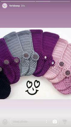 Pin by Elsa Delgadillo Martinez on Ganchillo Crochet Slipper Pattern, Crochet Poncho Patterns, Crochet Slippers, Knit Crochet, Knitting Patterns, Knitted Christmas Stockings, Christmas Knitting, Crochet Gloves, Crochet Baby Shoes