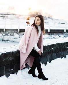 Zara rose coat. See more on instagram: @tanyaewwel