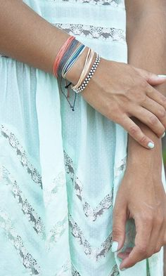 Beach Vibes - Accessories from Pura Vida Bracelets Vogue Fashion, Fashion Beauty, Womens Fashion, Mint Dress, Lace Dress, Pretty Outfits, Cute Outfits, Fashion Words, Passion For Fashion