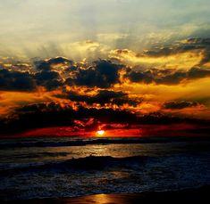 Coucher de soleil au-dessus de l'océan