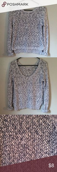 Abercrombie & Fitch sweater top XS •Excellent used condition •Worn a handful of times •Low Scoop neck design in the back •Color:White and blue (looks a bit gray in the photos but it is not) •Brand: Abercrombie & Fitch •Size: XS •NO TRADES Abercrombie & Fitch Sweaters