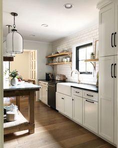 Portfolio – House Seven design + build Inexpensive Flooring, Home, Kitchen Design, Plain English Kitchen, House, Floor To Ceiling Wardrobes, Galley Kitchen, Countertops, Upper Cabinets