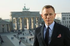 Daniel Craig Finally Agrees To Come Back As Bond - For A Reported $135M | Celebrity Net Worth