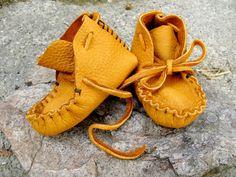 Caramel  Elk skin Baby Moccasins, soft sole shoes, children's shoes, Totmocs