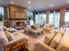 Traditional Living-rooms from Linda McCall on HGTV
