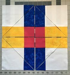 Quilting Tutorials, Quilting Projects, Quilting Designs, Quilting Tips, Triangle Quilt Tutorials, Quilting Board, Modern Quilting, Quilting Fabric, Scrap Quilt Patterns