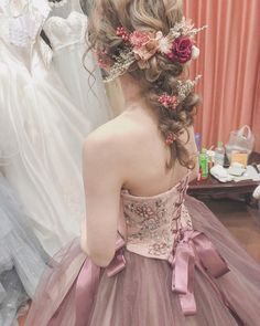 Pin by Berbietaeng on Hair styles in 2019 Evening Dresses For Weddings, Bridal Dresses, Flower Girl Dresses, Bridesmaid Dresses, Bride Hairstyles, Pretty Hairstyles, Korean Wedding Hair, Hair Arrange, Bridal And Formal