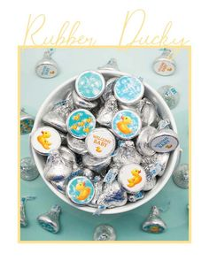 Learn more about our rubber duckie baby shower favor stickers, including how to use bubble bath theme stickers for favors and decorations. Ducky Baby Showers, Rubber Ducky Baby Shower, Baby Shower Duck, Baby Shower Candy, Baby Shower Cakes Neutral, Elephant Baby Shower Cake, Baby Shower Card Sayings, Baby Shower Thank You Cards, Baby Shower Cake Decorations