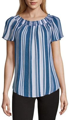 Frock Fashion, Fashion Dresses, Blouse Styles, Blouse Designs, Sewing Blouses, Sleeves Designs For Dresses, Short Tops, Short Sleeve Blouse, Clothing Patterns