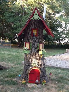 Gnome house with leaf blower part for chimney and funnel for top. Gnome house with leaf blower part Fairy Tree Houses, Fairy Garden Houses, Gnome Garden, Fairies Garden, Flowers Garden, Garden Fun, Herb Garden, Gnome House, Gnome Door