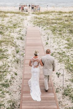 Devin and Eddie planned a destination wedding at a beach house on St. George Island, which has been in the bride's family for generations! They hosted frie