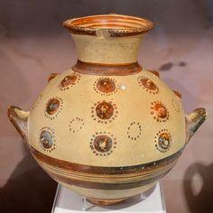 Hydria-rhyton / υδρία-ρυτό     Probably a Dodecanesian import.  LH IIIB2 (ca. 1250-1200 BCE)  Mycenaean cemetery at Hexamilia, Yiriza (Εξαμίλια, Γύριζα)   Archaeological Museum of Isthmia, Greece. MI 124