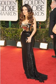 Salma Hayek turned up the heat in a sizzlin' Gucci dress! #GoldenGlobes2012