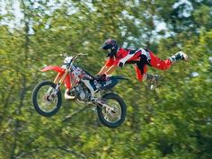 Motorcycle jump demonstration at the Blue Ash airport days 2007.