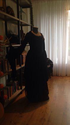 Gothic jurk staat model voor les 3