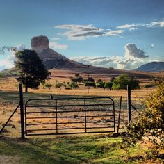 The Eastern Free State South Africa Most Beautiful Beaches, Beautiful Places To Travel, Beaches In The World, Countries Of The World, Sa Tourism, Africa Travel, Wonders Of The World, Places To See, South Africa