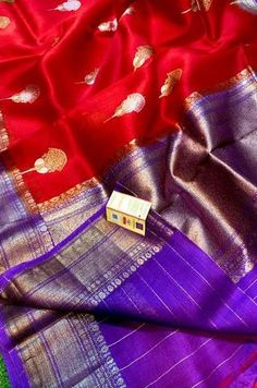 Details From our exclusive collection of Banarasi Craftsmen, this is a Handloom Kora Silk Saree...