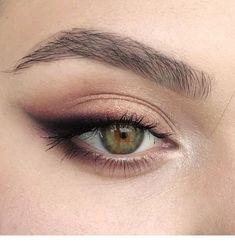 eye makeup for brown eyes . eye makeup for blue eyes . eye makeup tips . eye makeup tutorial for beginners Natural Eye Makeup, Smokey Eye Makeup, Skin Makeup, Mac Makeup, Eyeshadow Makeup, Eyeshadow Basics, Smoky Eyeshadow, Natural Beauty, Prom Makeup