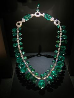 Here's a beautiful #emerald #necklace  Repin, Like, Share!  Thanks!