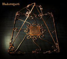 Fendi, Gold Necklace, Chain, Jewelry, Home Decor, Gold Pendant Necklace, Jewlery, Decoration Home, Bijoux