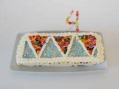 DIY- Confetti kakkukoriste - Humua -kaikkien juhlien ideapankki Diy Confetti, Butter Dish, Cake Toppers, Dishes, Desserts, Food, Tailgate Desserts, Deserts, Tablewares