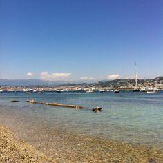 Saintrop.com:  vue des îles  .frenchriviera.com >> A pure ecstasy of Cannes!