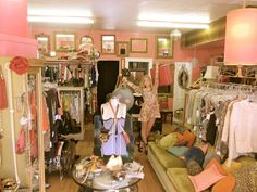Is it on your bucket list to have a consignment or vintage shop? Check out thes resources at http://www.howtoconsign.com/start.htm
