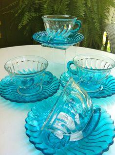 Four Aqua Vintage Tea Cups and Saucers by MarshHome Me encanta el color, me encanta. Vintage Dishes, Vintage Glassware, Vintage China, Vintage Teacups, Vidro Carnival, Coffee Cups, Tea Cups, Teapots And Cups, My Cup Of Tea